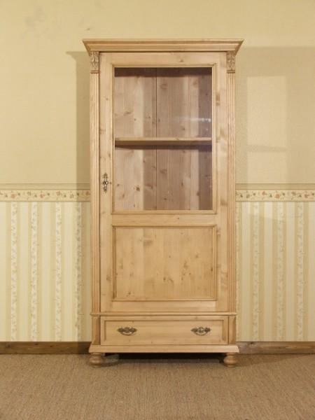 Vitrine Massivholz Sammelvitrine Landhausstil Weichholz Vollholz Tür und Seiten verglaßt