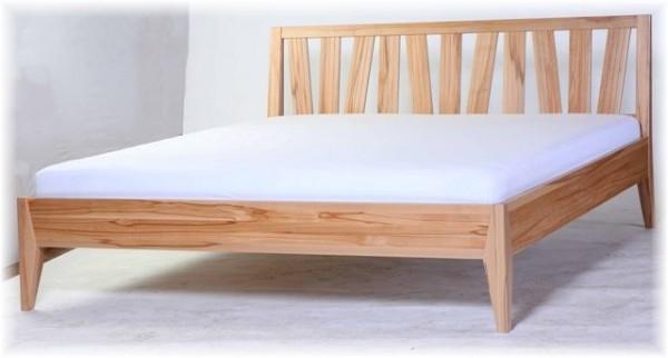Bett Doppelbett Bettgestell 180x200 Modernes Desing KBU Vollholz Maßanfertigung Lackiert