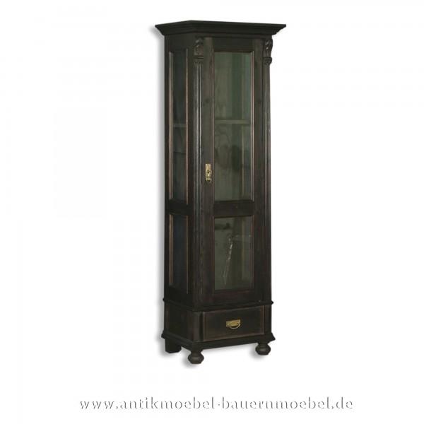 schmale Vitrine schwarz Landhausstil Massivholz Vitrinenschrank Tür und Seiten verglaßt