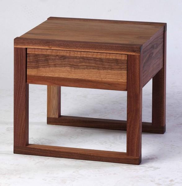 Nachttisch Konsolentisch Beistelltisch Nussbaum Massiv in Modernen Design Vollholz